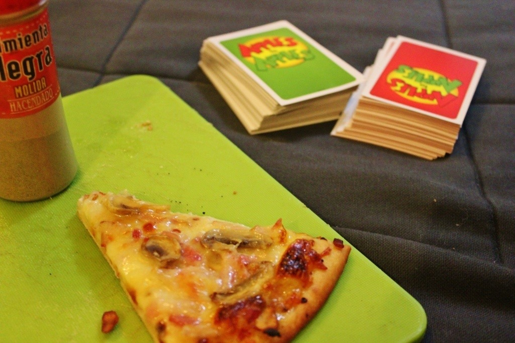 A not-so-epic New Year's Eve in Madrid of frozen pizza and Apples-to-Apples