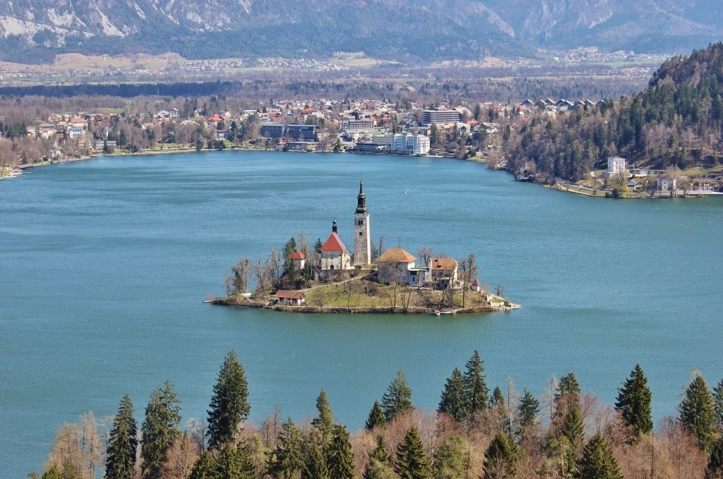 Lake Bled scenic viewpoints from the trails