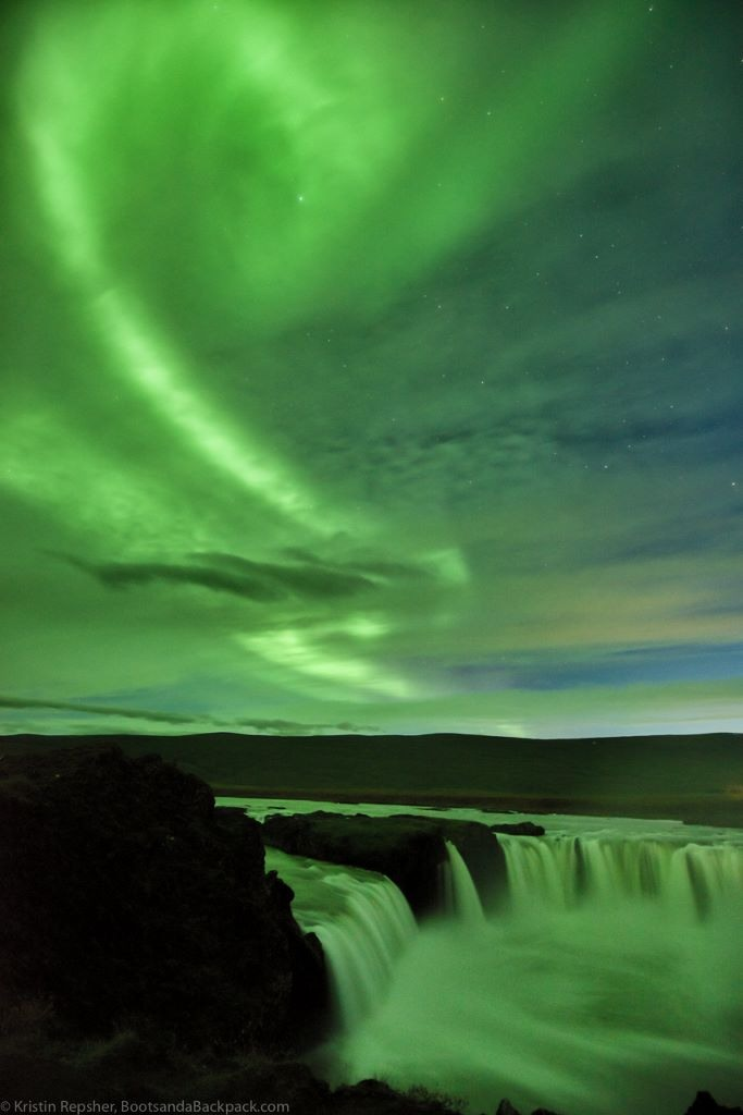 Kristin Repsher www.bootsandabackpack.com Seeing The Northern Lights in Iceland
