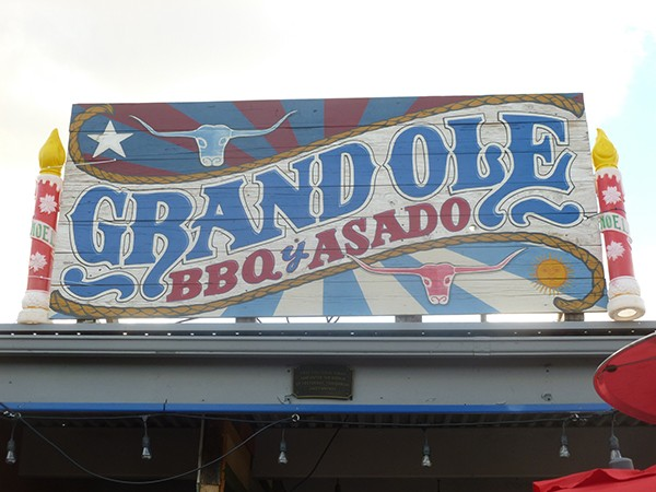 The restaurant's sign (Photo by Frank Sabatini Jr.)