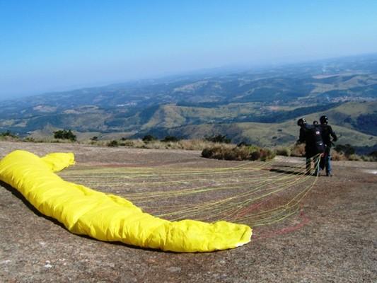 primeira vez voando de paraglider