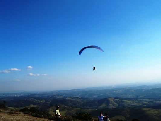 vôo duplo de paraglider em atibaia na pedra grande