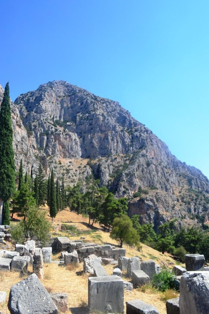 curiosidades templo de apolo em delfos, mitologia grega