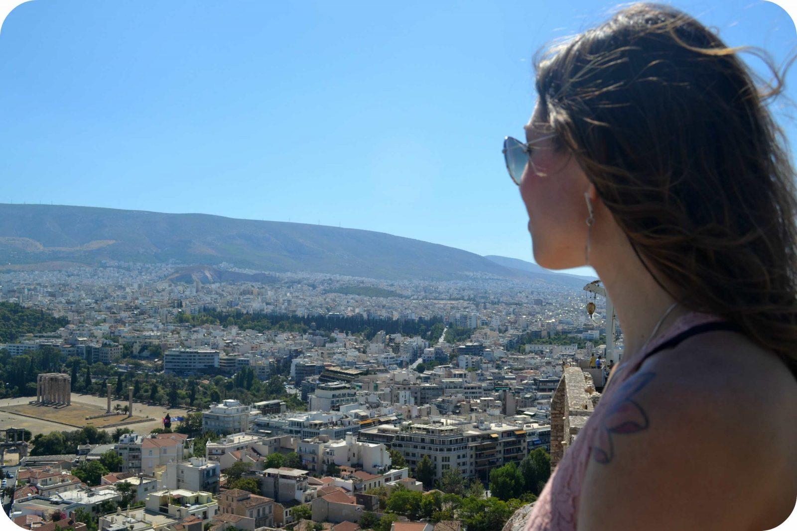 Vista de Atenas e do Templo de Olympian Zeus
