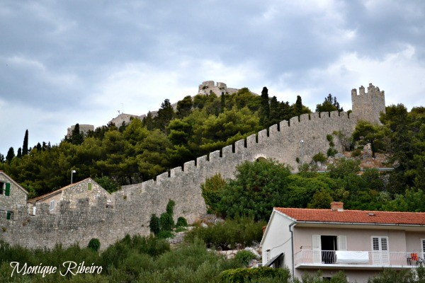 muralhas hvar croácia