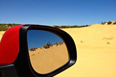 de carro em pinnacles desert