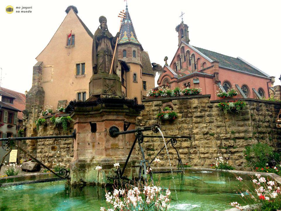 fonte vila eguisheim alsacia
