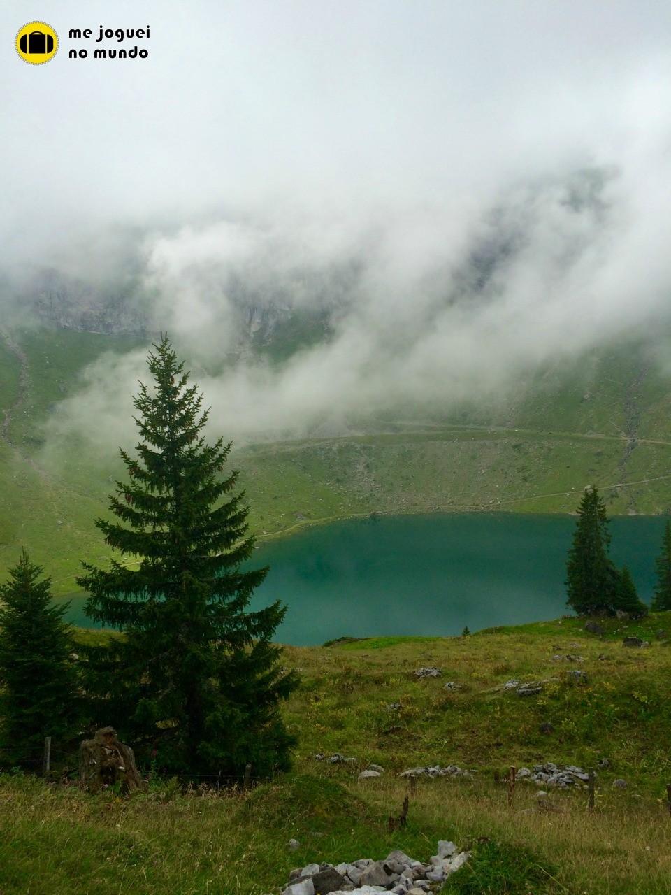 Trilhas suíça lago bannalp