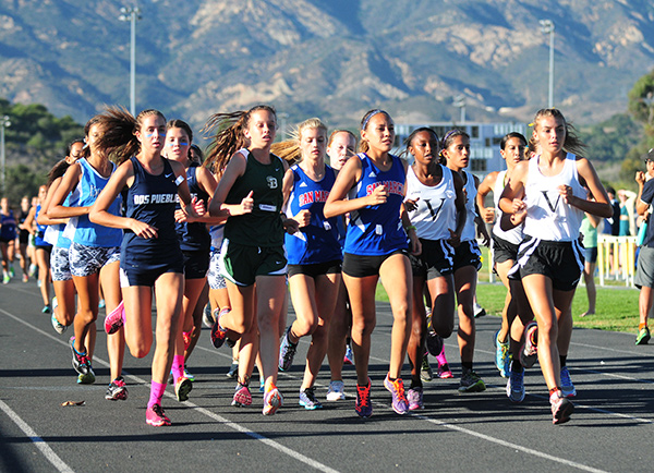 Erica Schroeder, Elaine McClure, Natalie McClure, Ruth Hunter and Adilene Aldapa took the first five spots in Wednesday's race.