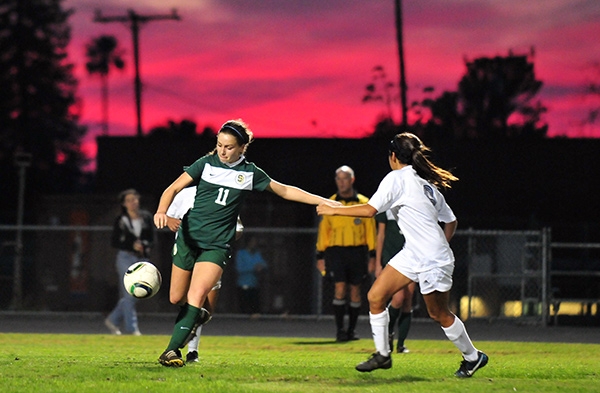 Santa Barbara High and Dos Pueblos battled under a colorful sunset in Tuesday's Channel League match. (Presidio Sports Photo)
