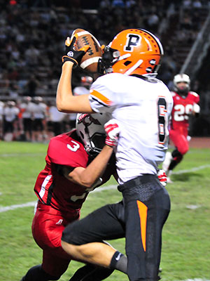 Santa Ynez's Gabe Prendergast hauls in a 36-yard catch that led to the Pirates' second touchdown.