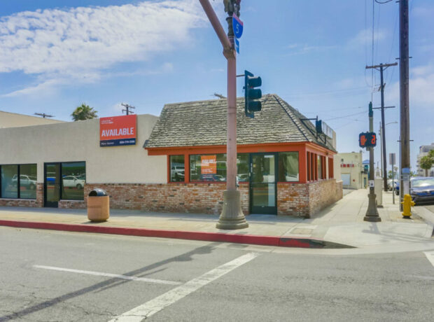 Corner Retail/Restaurant Building in Coastal Downtown Oceanside