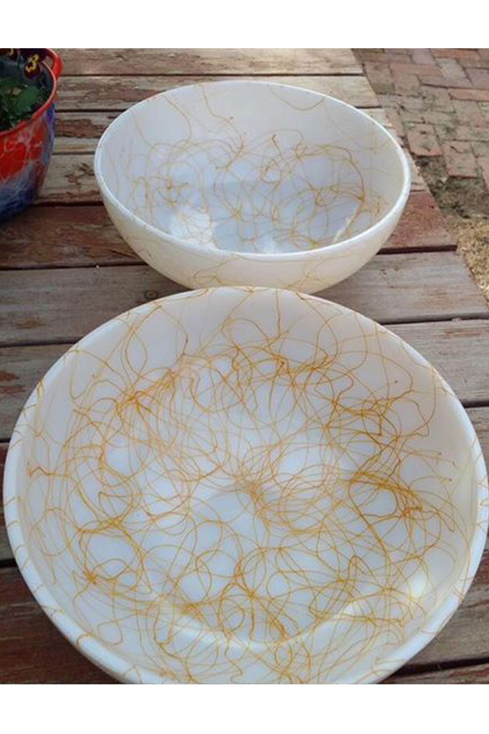 2 large anchor hocking bowls