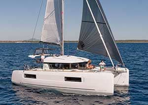 Skipper rental multihull