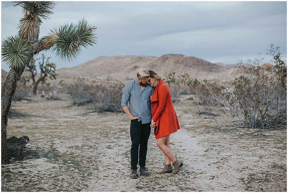joshua-tree-california-engagement-photography