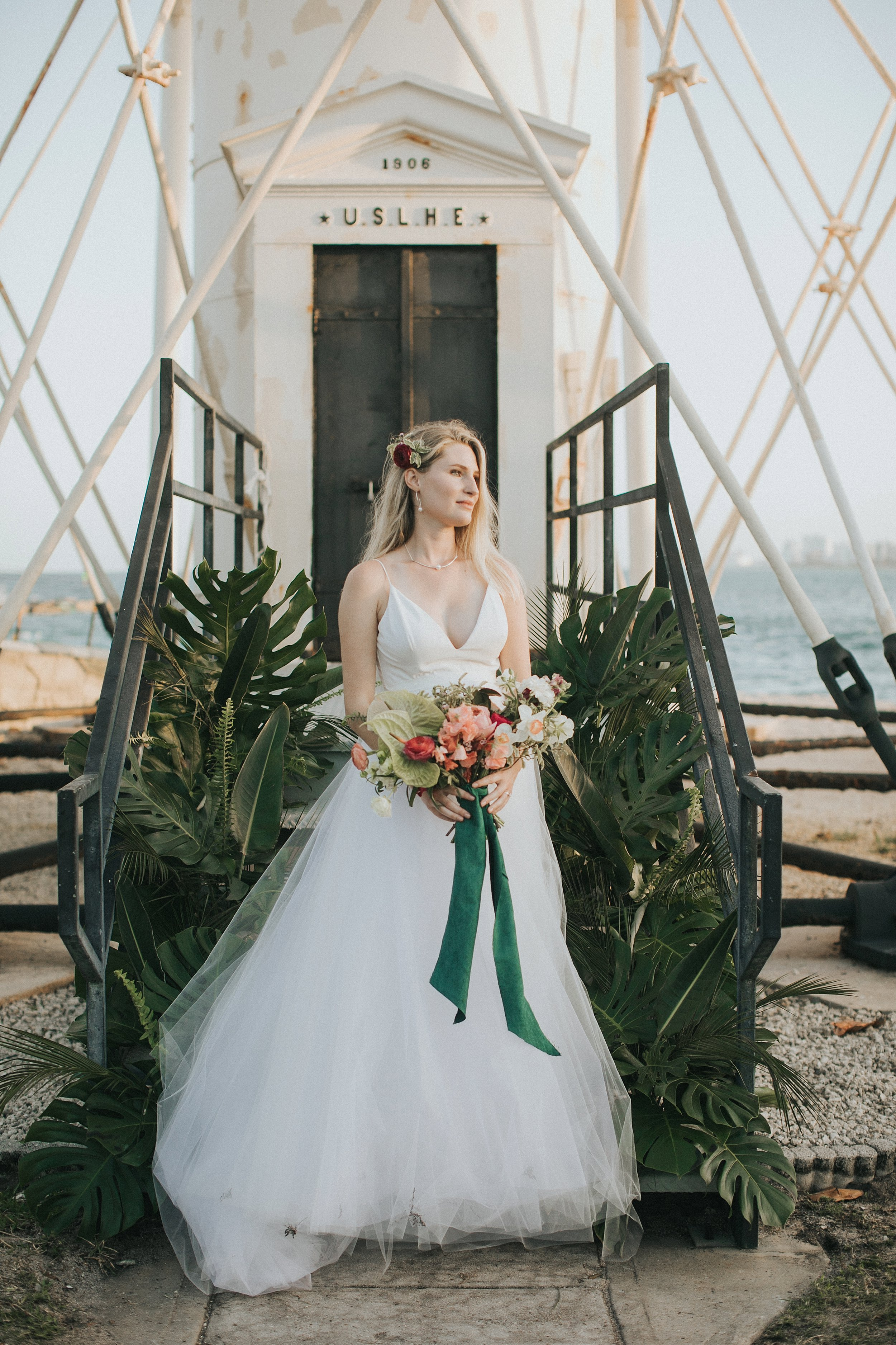 bridal portraits at a lighthouse