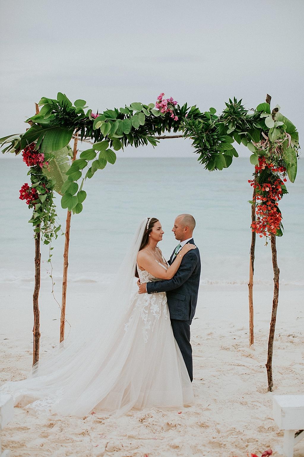 intimate eleuthera bahamas wedding