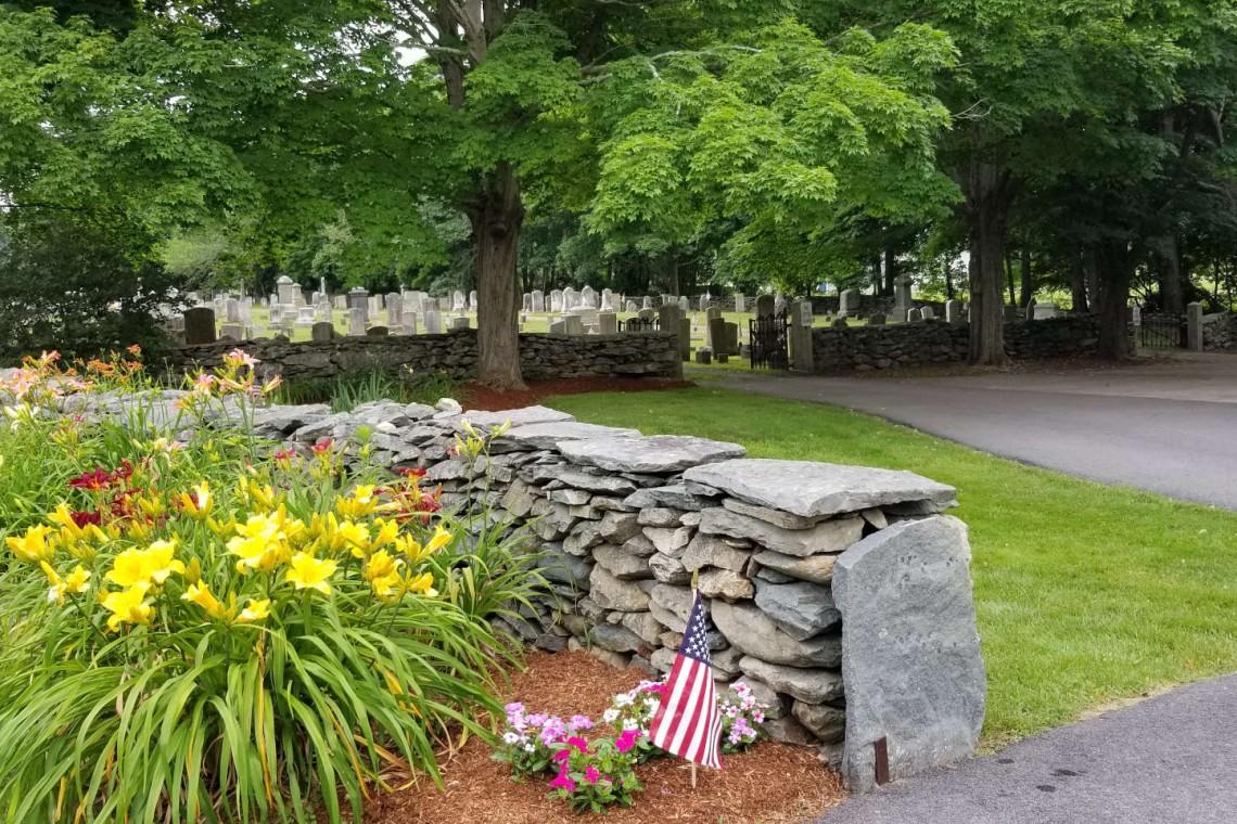 kp6_20190708_085051_lilies&cemetery