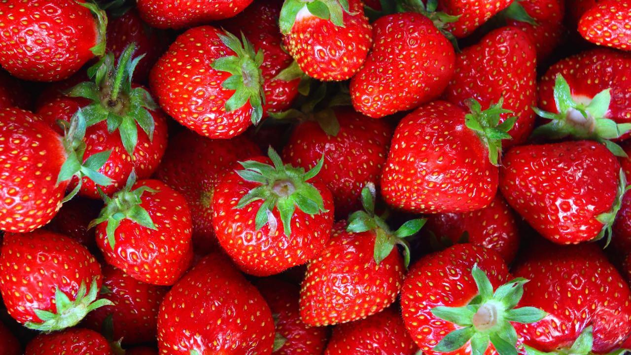 KitchenTips_HullAStrawberry_052915-img_1280x720