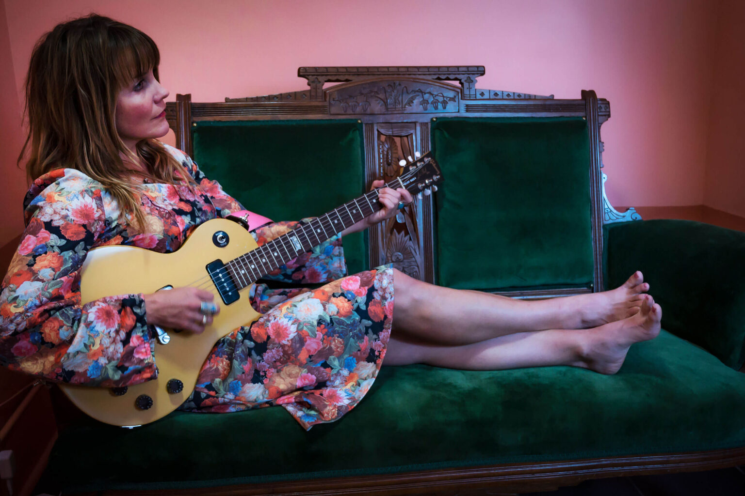 Mary Bue with guitar