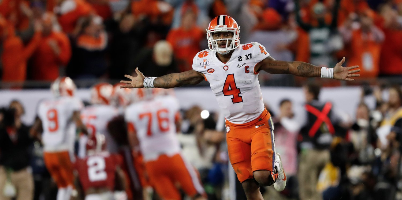 Clemson Defeats Alabama to win College Football Championship
