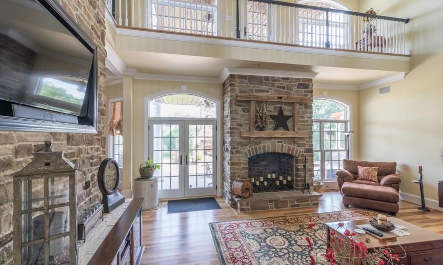 ES_Cypress-Ridge_Orchard_int_living-room_Joe-Barnes-Residence_fireplace-4