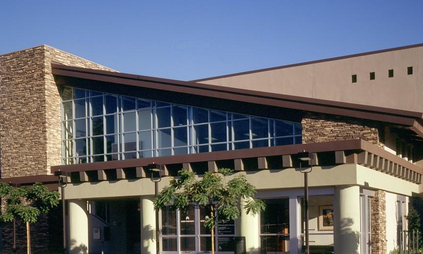 es_rustic-ledge_sawtooth_exterior_facade_institutional_kaiser