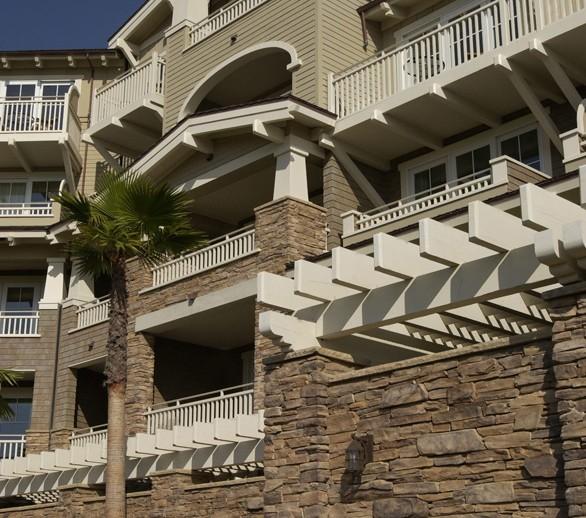 ES_Rustic-Ledge_Sequoia_ext_montage_hotel