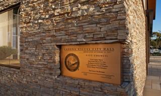 ES_Stacked-Stone_Alderwood_ext_commercial-Laguna-City-Hall_plaque-III
