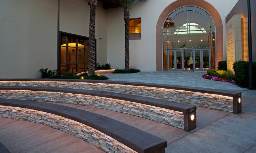 ES_Stacked-Stone_Alderwood_ext_commercial-Laguna-City-Hall_seating-circle