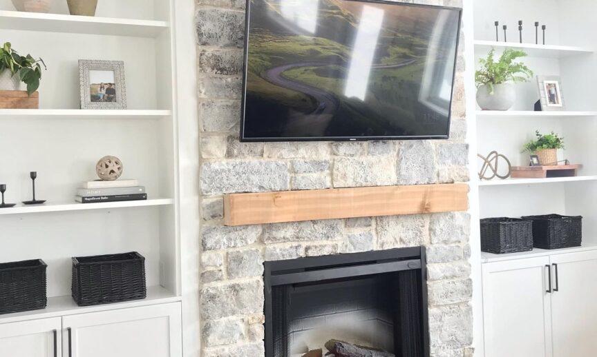 Limestone: https://www.eldoradostone.com/products/limestone/  Credit: Tessa Ausborn and Hawthorne Homes (Instagram: @tessaausbornrealtor and @hawthorne.homes)