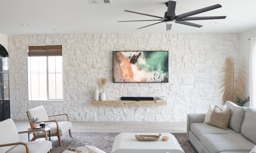 Loire Valley RoughCut: https://eldoradostone.com/products/roughcut/ White Wash Grout Technique  Credit: The Sumpter House (Tyler and Zach Sumpter)  Instagram: @the_sumpter_house Facebook: Tyler Sumpter (Design, stone application, and photography)