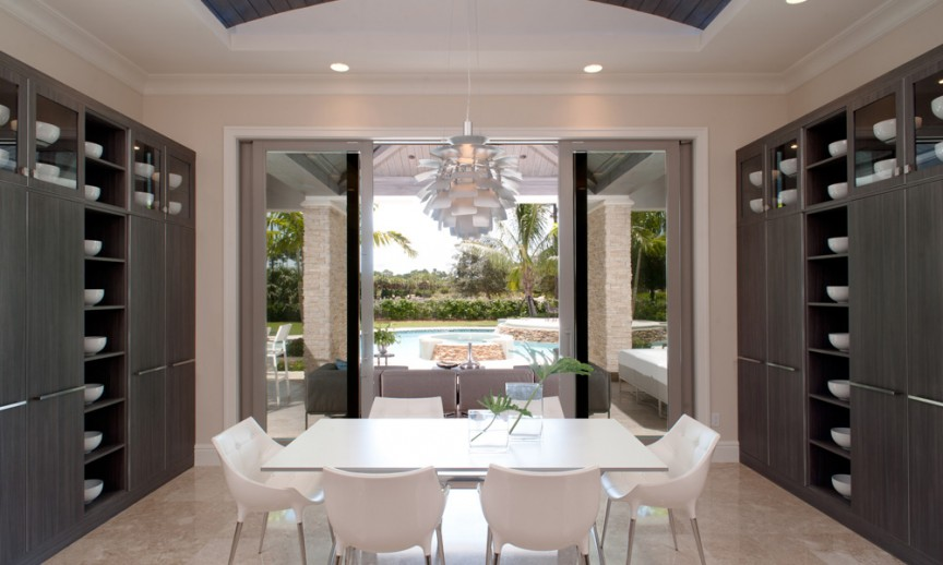 ES_Stacked Stone_Dry Creek_int_kitchen_patio