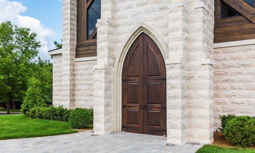 ES_SierraCut24_Monument_Commercial_Exterior_Church_03