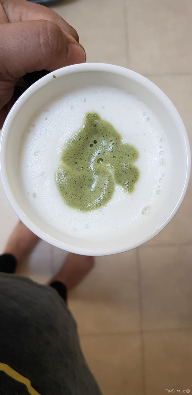 A Perfect Sunday, Matcha Latte, Sunday, What makes a perfect sunday, 5 things to do on Sunday, Preparation, Cleaning, Reading, Coffee Drinking, Tea Drinking
