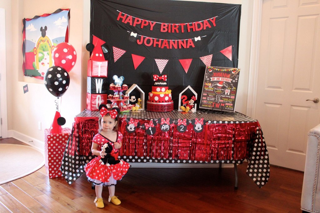Oh Two-dles, a Mickey Mouse Clubhouse Birthday Party! Oh Happy Day, a Florida Motherhood blogger shares the best way to create a Mickey Mouse birthday party