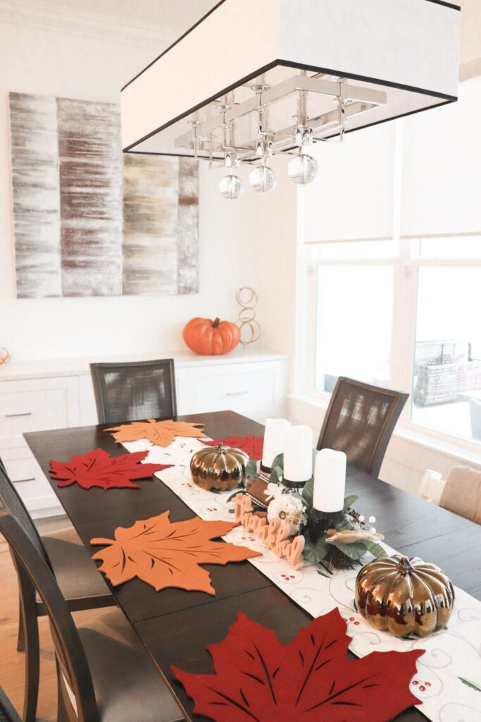 transitional thanksgiving, Friendsgiving decor, simple thanksgving tablescape