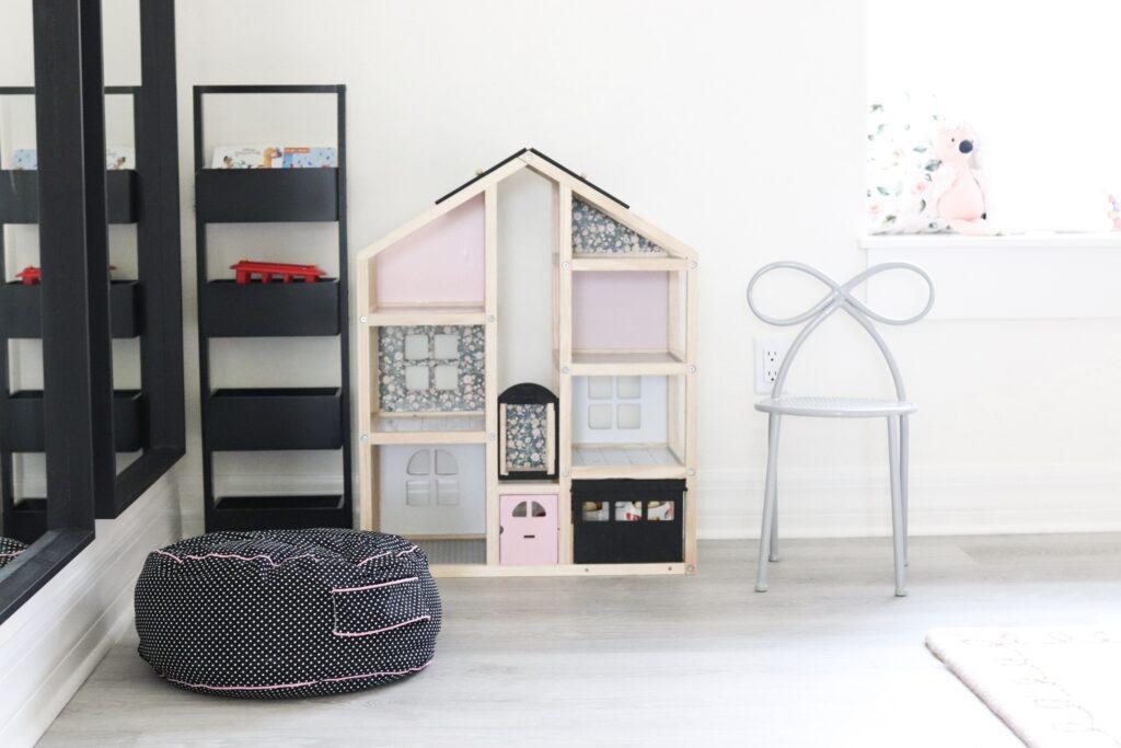 DIY Dollhouse makeover, dollhouse hack, modern dollhouse DIY, Melissa & Doug dollhouse makeover