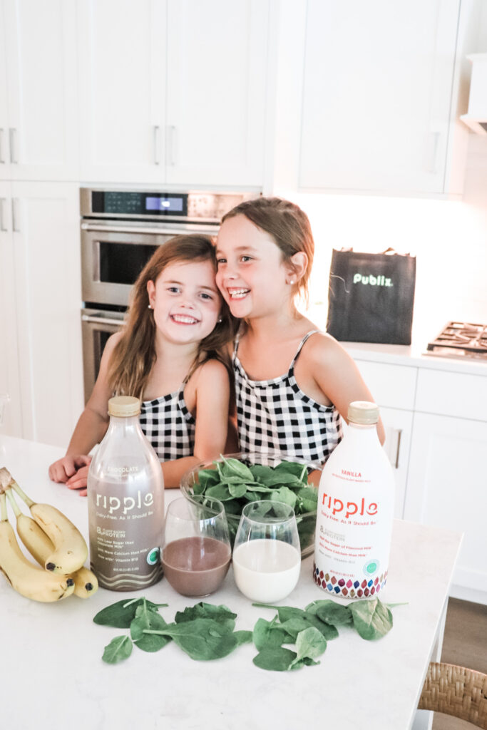 chocolate banana smoothie recipe, after school snack, healthy snacks for kids, protein shake for kids, plant based milk, allergy friendly milk, healthy milk options, no diary milk, no dairy smoothie