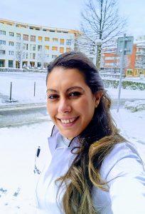 Raquel in the snow