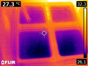 Thermal Image of hornworm rearing container 1 (26.1 to 32.3 C)