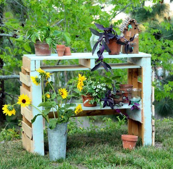 two-pallet-potting-bench-gardening-outdoor-furniture-painted-furniture