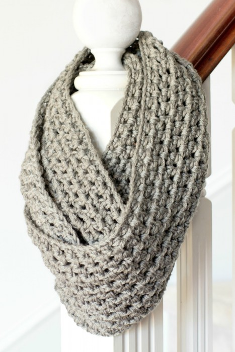 Basic Chunky Infinity Scarf Crochet Pattern 5