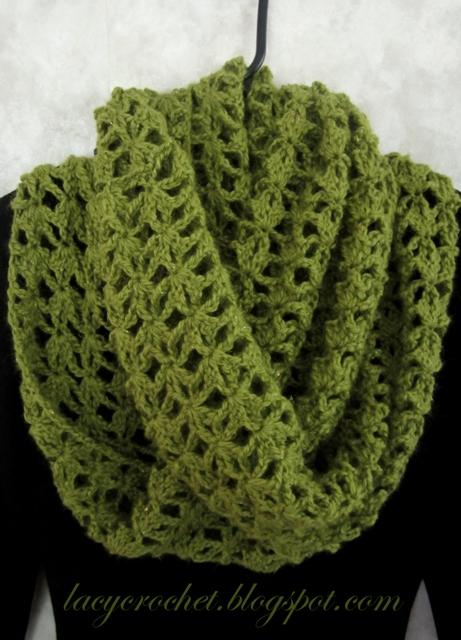 crochet infinity scarf LacyCrochet
