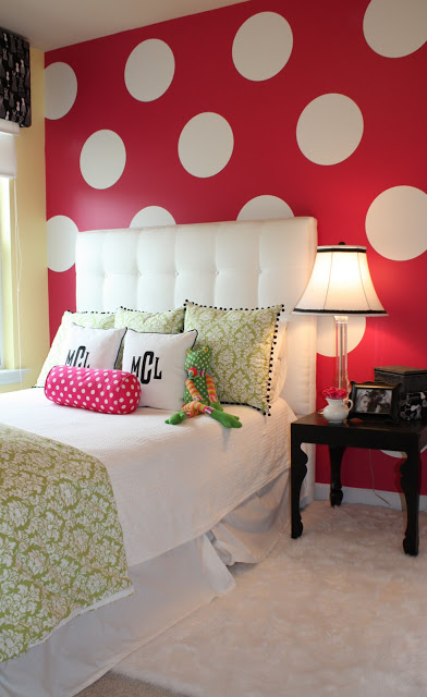 How to Paint Giant Polka Dots on the Wall