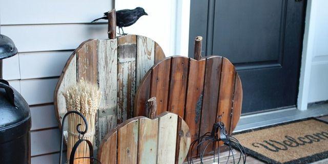54ff64c38f059-areclaimed-porch-pumpkins-de