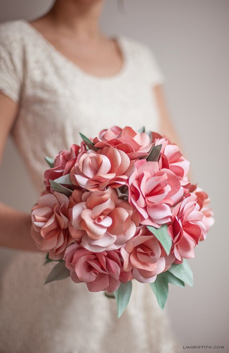 DIY Paper Rose WeddingBouquet1