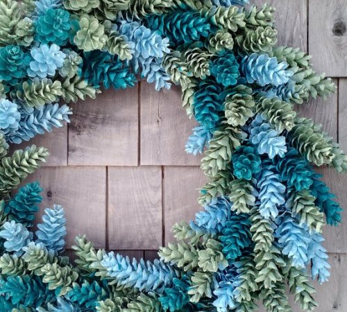 How to Make a Wreath from Pinecones