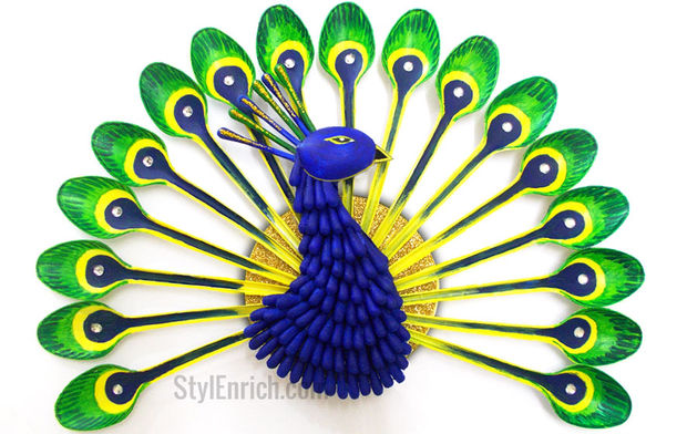 DIY Room Decor How to Make a Peacock from Plastic Spoon