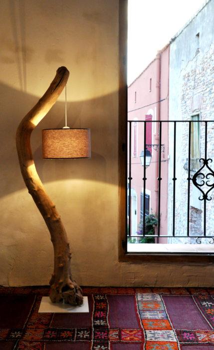 Simple Easy Driftwood Floor Lamp Tutorial